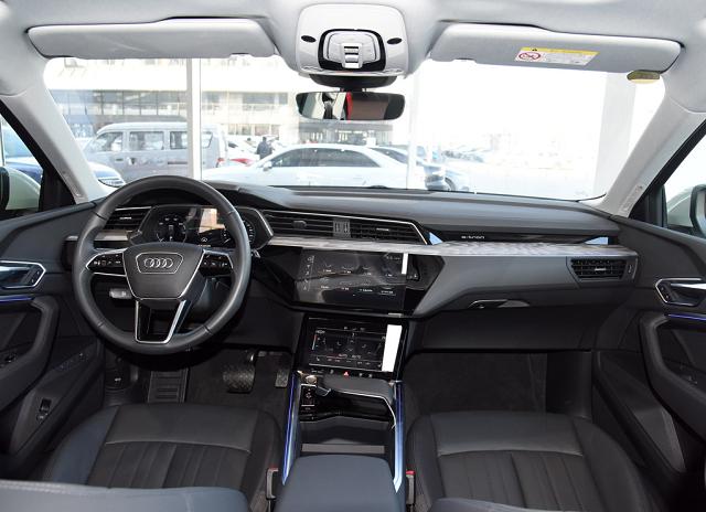 好车在线提供厦门汽车报价,奥迪 e-tron 2019款 quattro 时尚型 20轮报价,多少钱