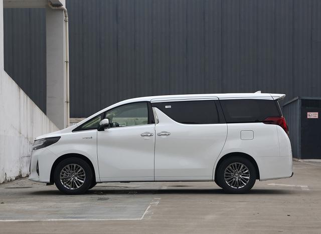 好车在线提供厦门汽车报价,丰田 埃尔法 2020款 2.5L HV豪华版报价,多少钱